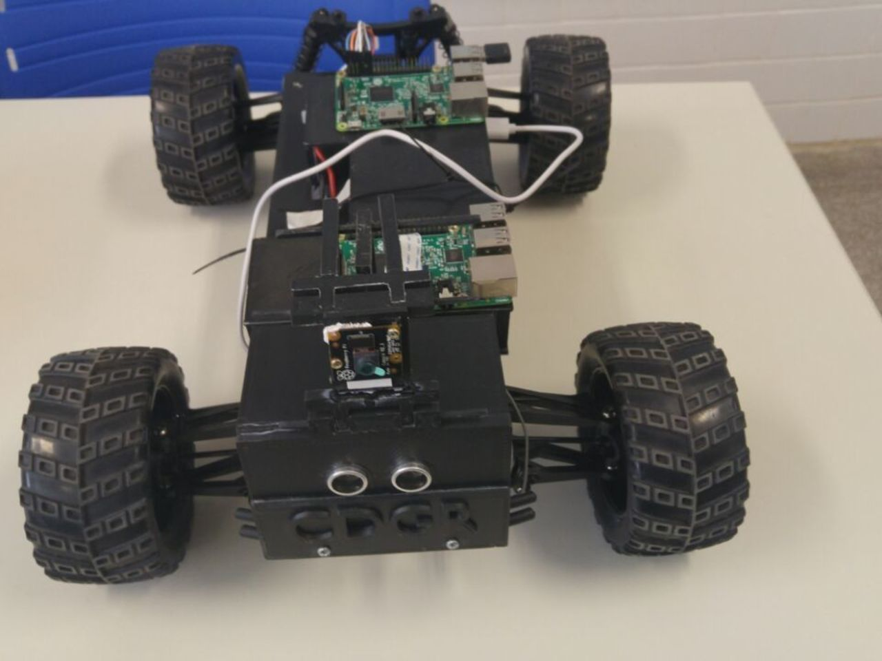 Driverless Car Prototype Based on Deep Learning