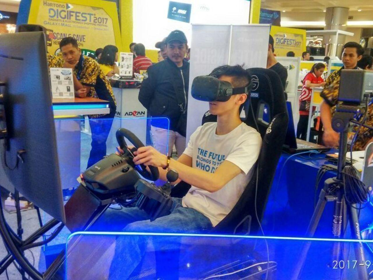 VR RACING MOTION SIMULATOR with Intel Indonesia
