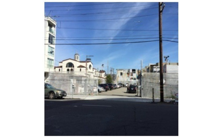 Outdoor Parking Lot in SoMa (Commuter Hours)