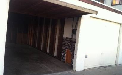 Large Garage -- for Studio/Storage/Parking