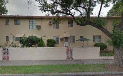 Large storage space in easily accessible LA neighborhood, take advantage of this spot!