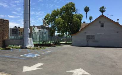 Paddleboard court available in bright and sunny Hollywood, off Sunset Blvd