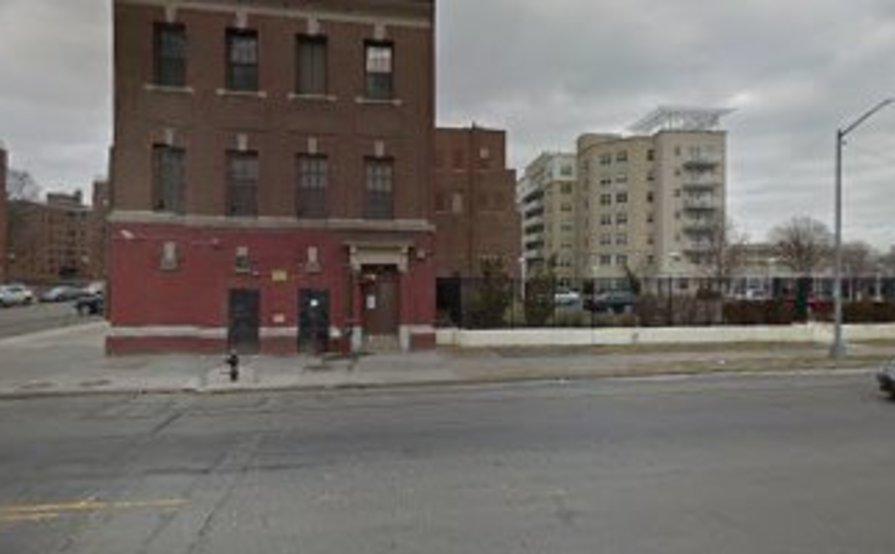 Rockaway Blvd parking space available, not many in this location! Click