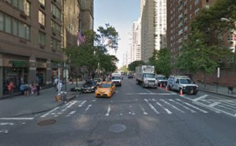 Manhattan parking for those commuting into the city! Perfect location