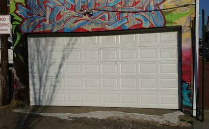 Large and spacious 2 car garage for rent Downtown