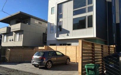24*7 wide parking spot in Fremont, Seattle