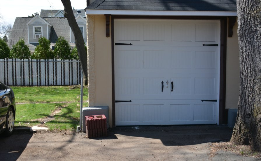 Conveniently Located Storage Garage in NJ - 20 min to NYC