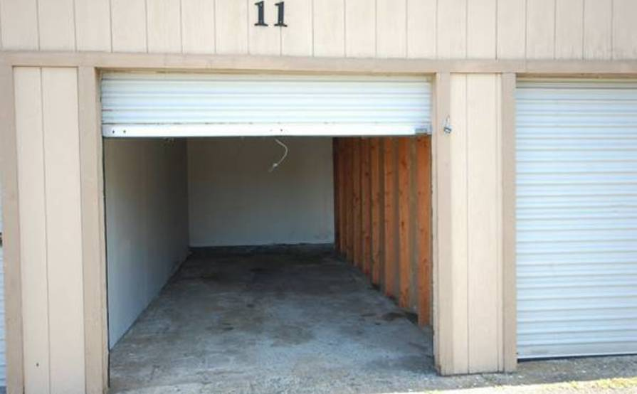 Storage Garage In The East Bay