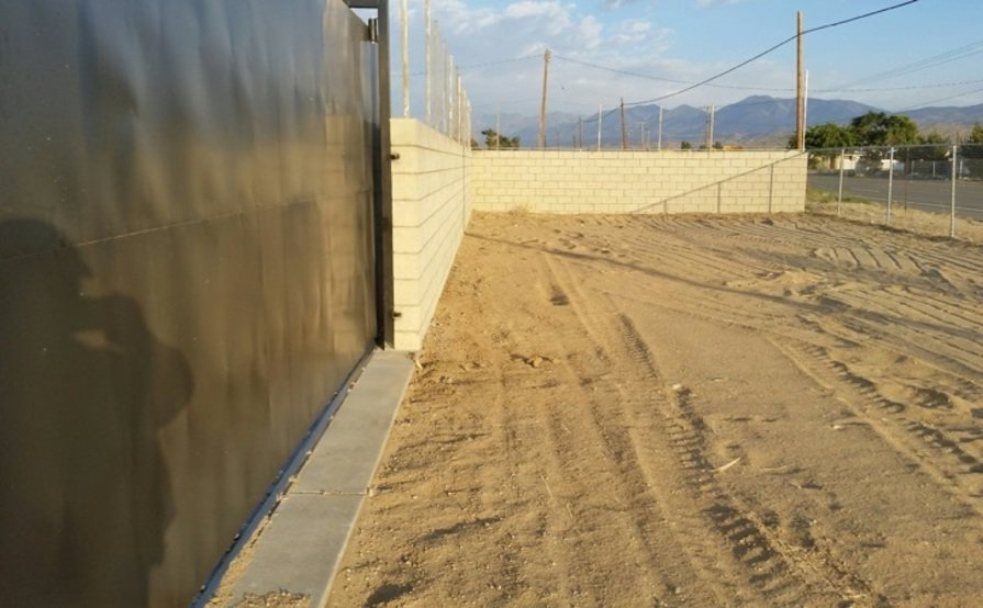 Huge Secure Parking Space in Palmdale
