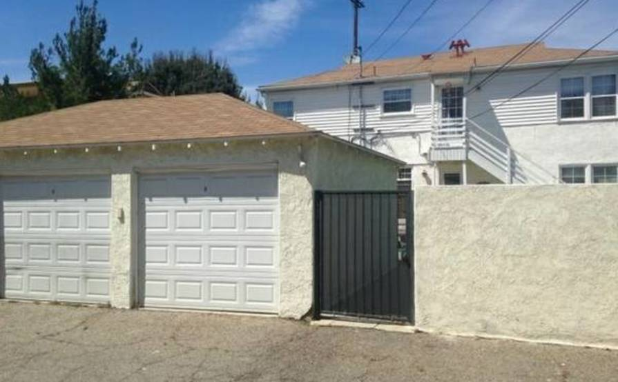 Garage space for rent