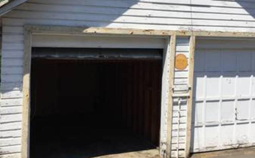 Monthly Garage Rental