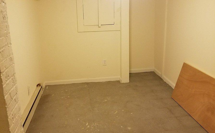 100 sq ft!! Storage room - whole closed room