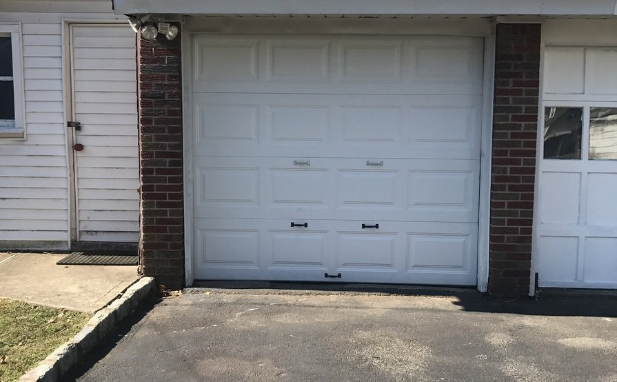 1 garage available for rent