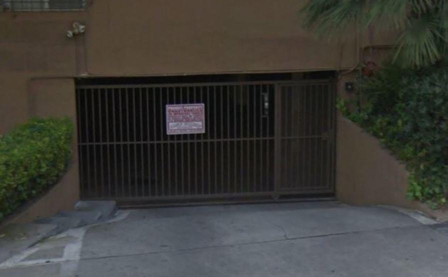 Safe and Secure garage in La Brea