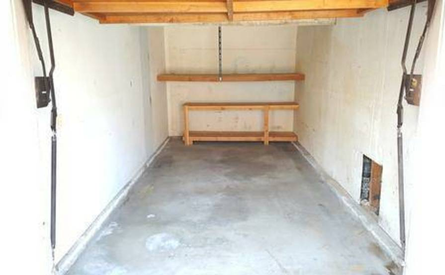Secure garage spot in Los Alamitos
