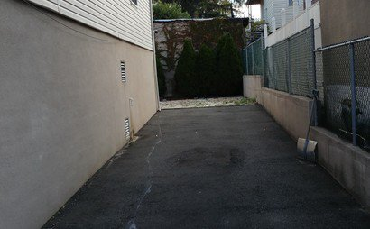 24/7 Private Driveway near Light Rail in Belleville, NJ