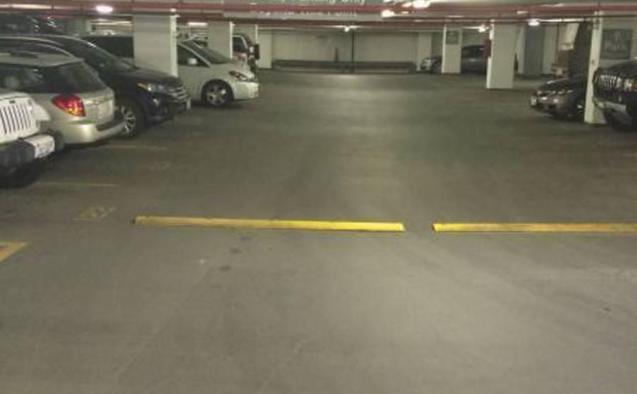 Great Indoor parking spot in Streeterville