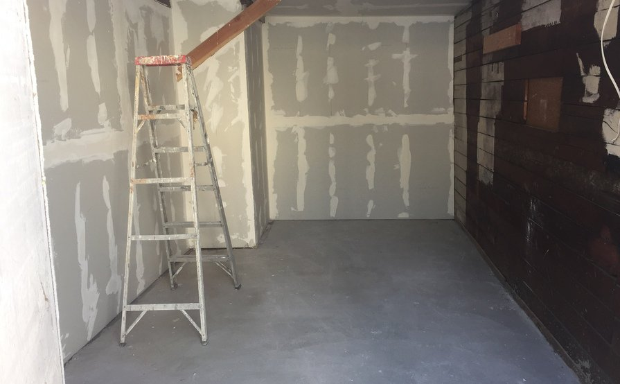 Secured garage for Storage in West Hollywood