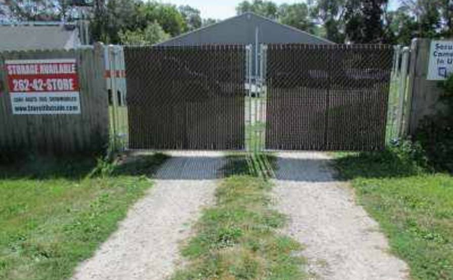Secure and gated parking space in Wisconsin