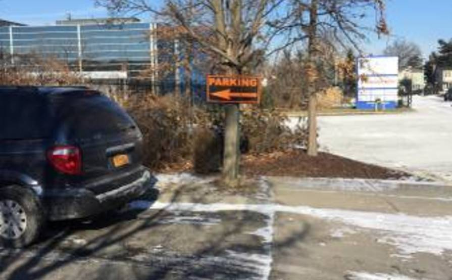 Commercial Outdoor Public Parking spot in Whitestone