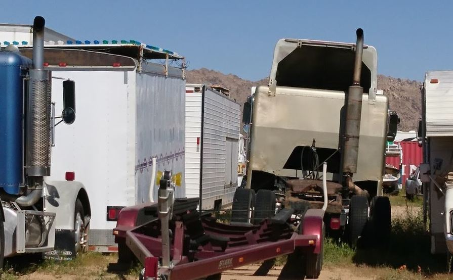 Trailers for rent for Storage in Apple Valley