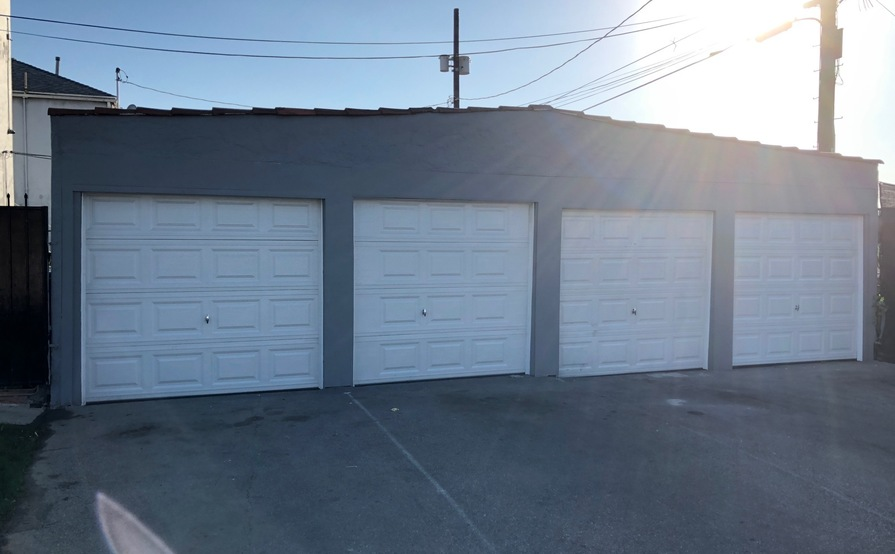 Newly Painted Garage Space for Storage - New Installed Garage Door - Close to San Vicente and La Brea