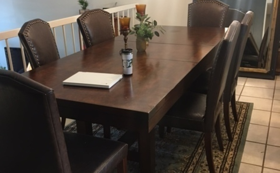 Chill MDR home - private desk, kitchen nook, dining room or patio!